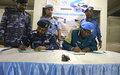 اليوناميد تسلم قوات الشرطة السودانية سيارات وحاويات بحرية وأثاث